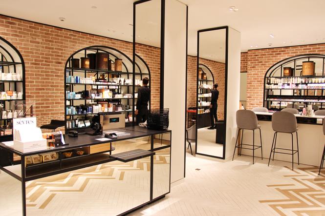 le nouvel espace beaut du bon march lili barbery. Black Bedroom Furniture Sets. Home Design Ideas