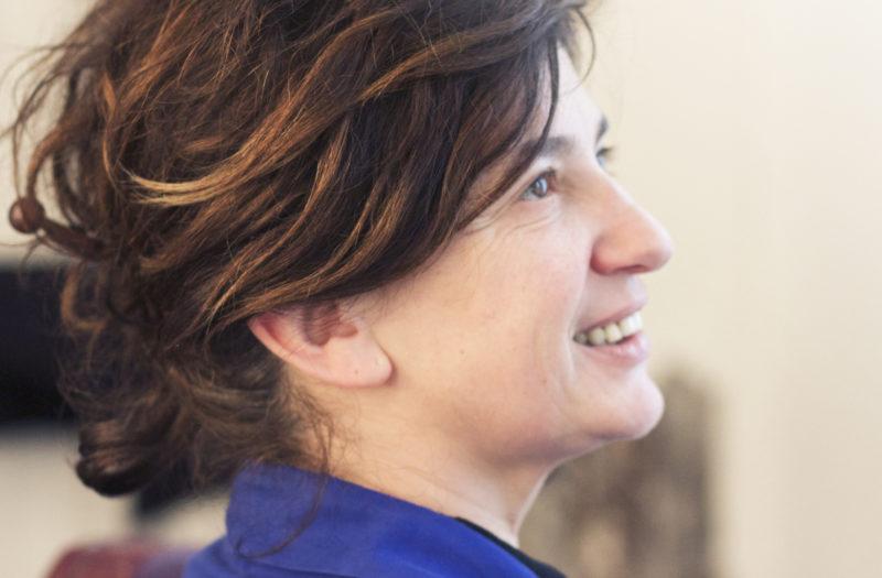 Julie, la coloriste que les Parisiennes s'arrachent