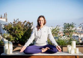 Une tenue de yoga pour pratiquer en plein air