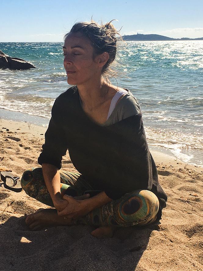 Photographies Lili Barbery Coulon (enfin Sauf Celle Du Milieu, Merci  Carla!) En Haut Le Paysage Autour De Lu0027hôtel, Au Milieu Moi Dans Lu0027eau Au  Paradis, ...